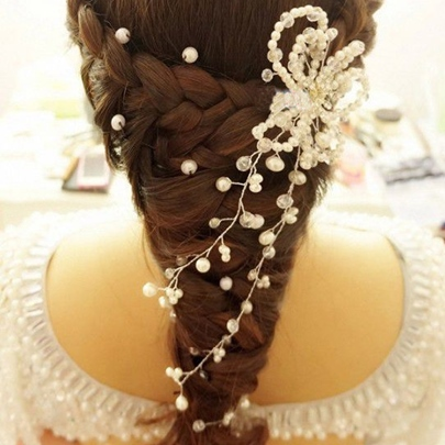 Flower-Shaped Pearl Bridal Hair Flower