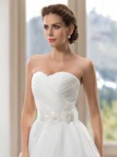 Sweetheart Tiered Ruched Flowers Sashes Wedding Dress