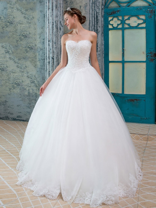 Sweetheart Appliques Beading Wedding Dress