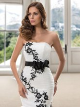 Strapless Embroidery Flowers Trumpet Wedding Dress