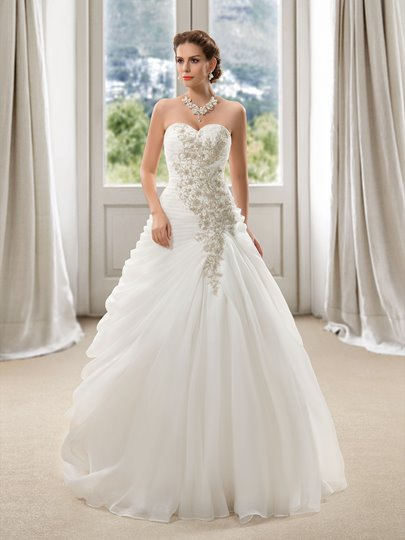 Sweetheart Floral Beaded Ruffles A-Line Wedding Dress