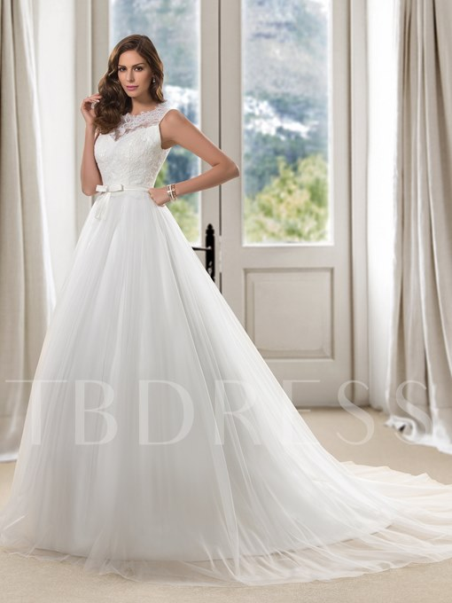 Scoop Neck Lace Court Train Princess Wedding Dress