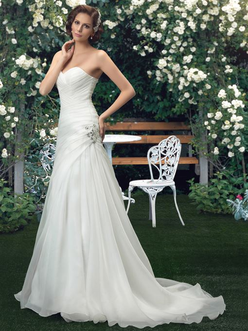 Sweetheart Beading Court Train Wedding Dress
