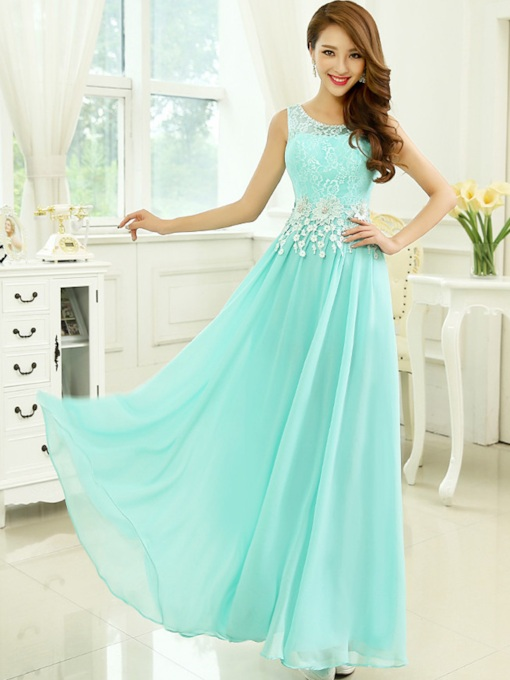 Round Neck Appliques Ruffles Prom Dress