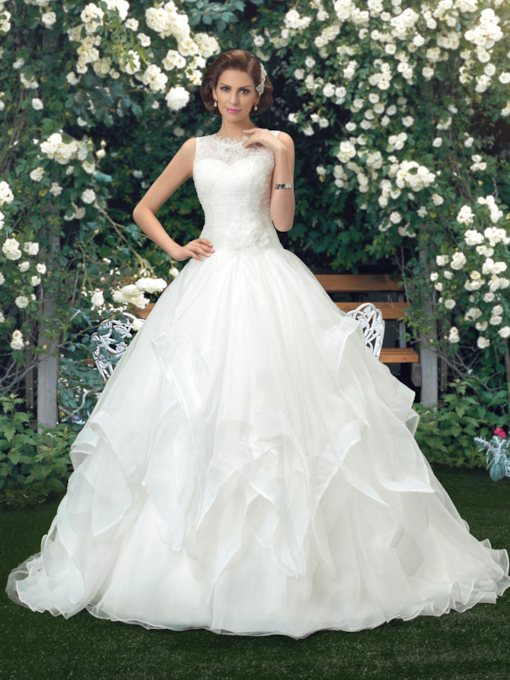Tiered Beading Lace Ball Gown Wedding Dress