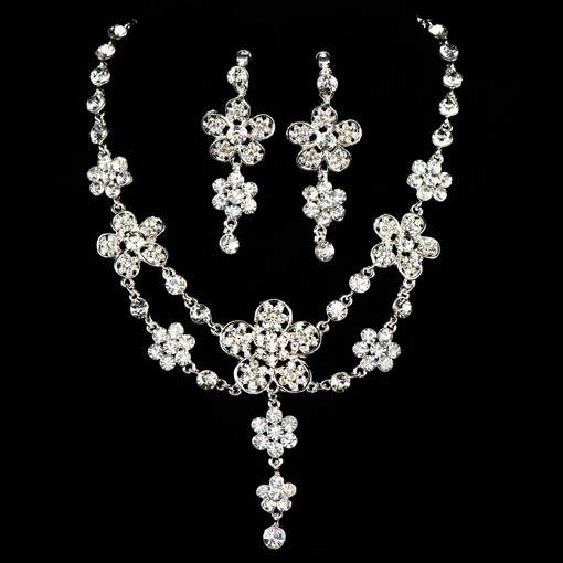 Floral Alloy with Rhinestone Wedding Jewelry Set (Including Jewelry and Earrings)