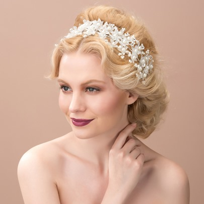 White Pearls Flowers Shaped Wedding Headband Hair Flower