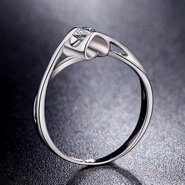 Love Shape Simulation Diamond Wedding Ring