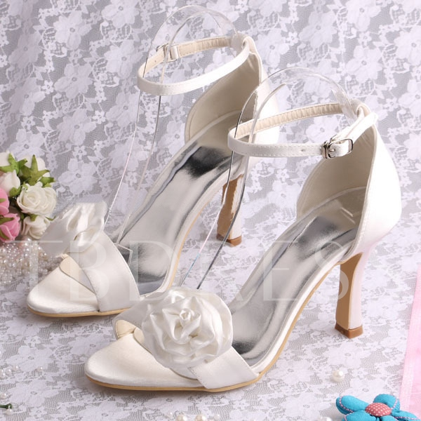 White Flowers Ankle Straps High Heel Bridal Wedding Shoes
