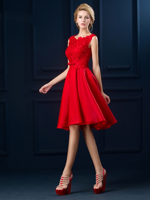 Straps A-Line Lace Bowknot Knee-Length Cocktail Dress