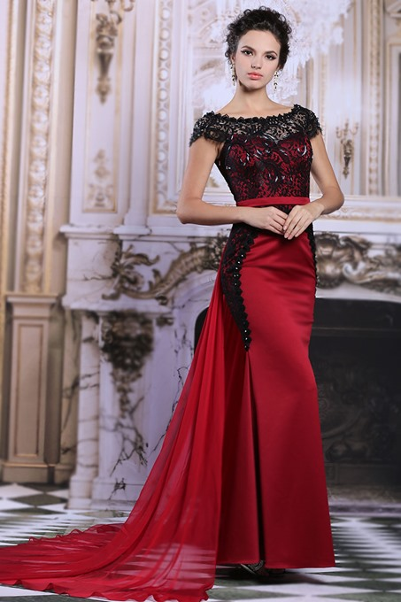 Off-the-Shoulder Lace Mermaid Court Train Evening Dress