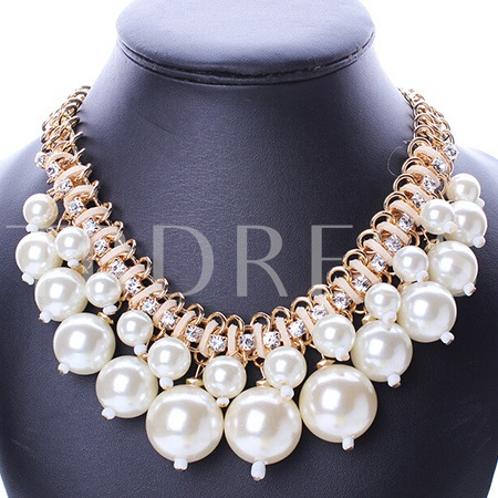 White Pearls Pendant Double Layers Alloy Necklace