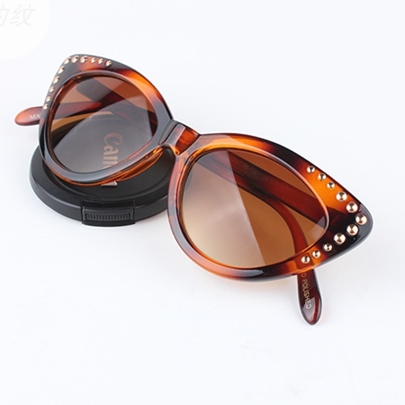 Rivet Cat-Eye Sunglasses