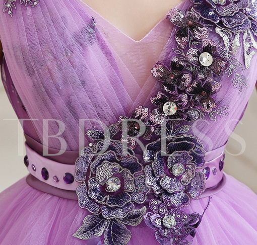 V-Neck Ball Gown Appliques Flowers Lace-Up Quinceanera Dress