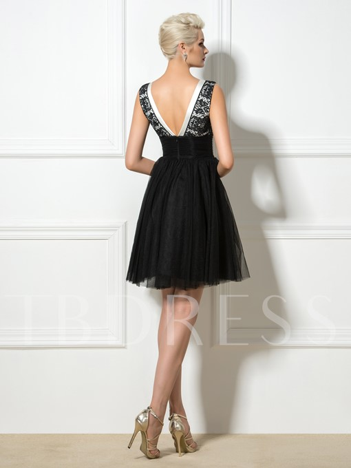 A-Line Backless V-Neck Lace Short Black Cocktail Dress