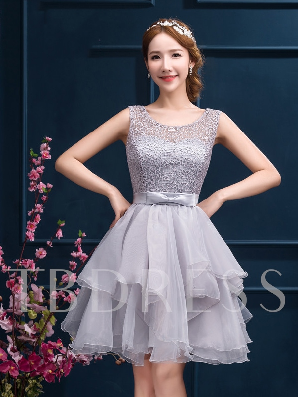 A-Line Tiered Round Neck Lace Short Homecoming Dress