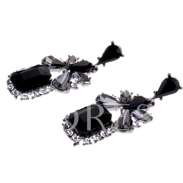 Black Diamond-Shaped Pendant Earrings