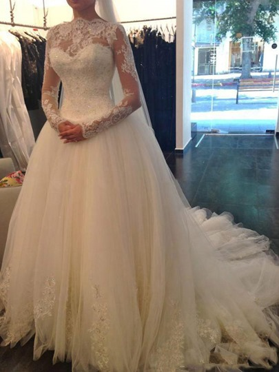 Long Sleeves Ball Gown Lace Sequins Muslim Arabic Wedding Dress Long Sleeves Ball Gown Lace Sequins Muslim Arabic Wedding Dress
