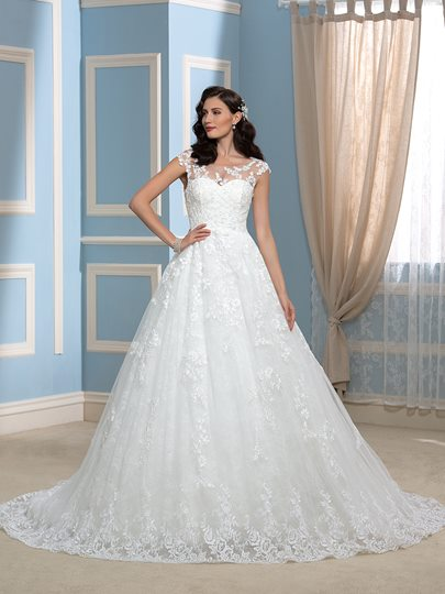 High Quality Appliques Lace Court Long Wedding Dress