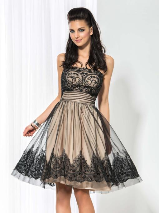 A-Line Strapless Appliques Lace Cocktail Dress