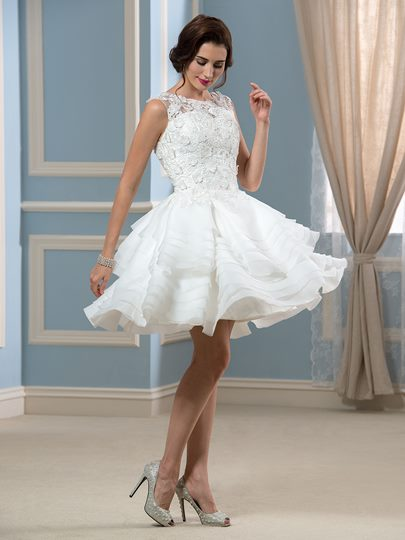 Appliques Lace Organza Short Beach Wedding Dress