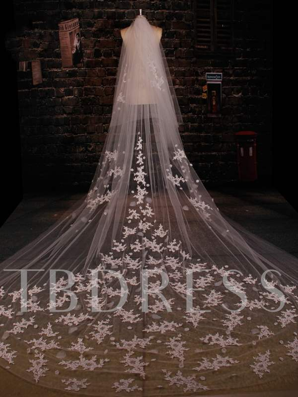 Tulle Appliques Lace Cathedral Wedding Veil with Comb