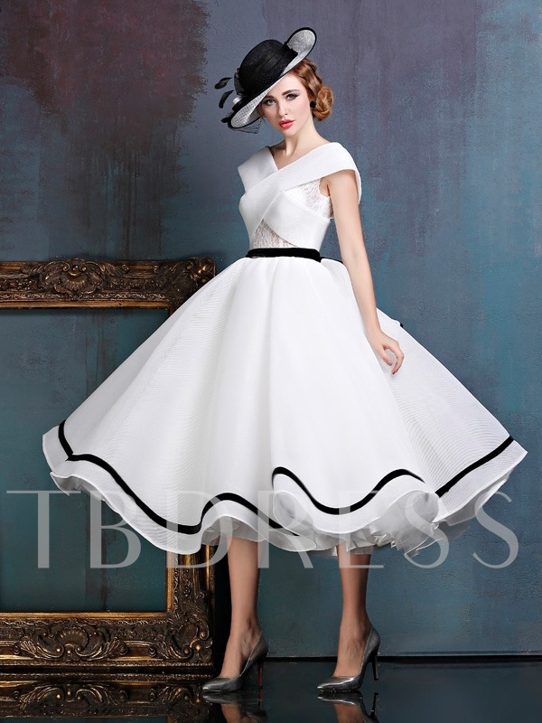 A-Line V-Neck Lace Sashes Tea-Length Prom Dress