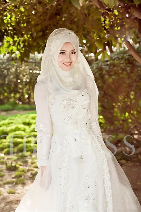 Long Sleeve Lace Tulle A-Line Muslim Arabic Wedding Dress