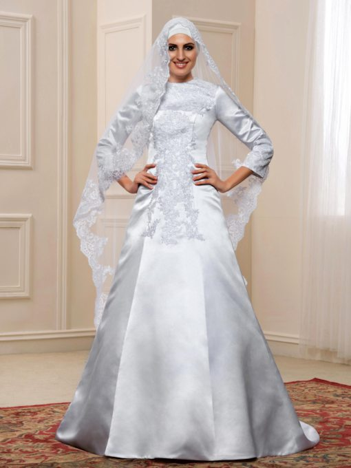 Vintage Appliques 3/4 Length Sleeve Muslim Wedding Dress