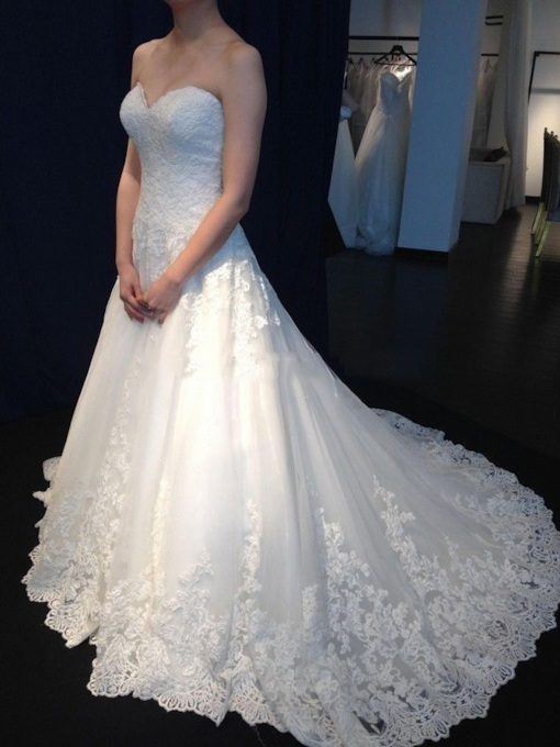 High Quality A-Line Sweetheart Court Train Lace Wedding Dress