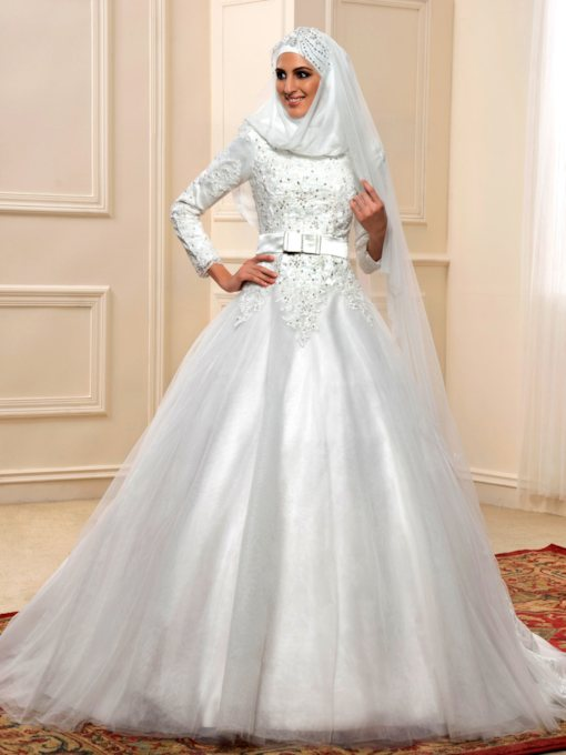 Long Sleeve Beaded Appliques Muslim Wedding Dress