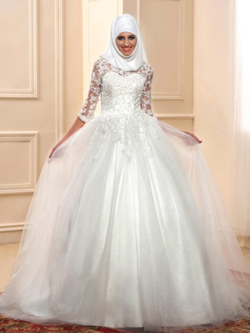 Appliques 3/4 Length Sleeve Muslim Wedding Dress