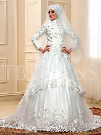 Long Sleeve Appliques Lace Chapel Muslim Wedding Dress with Hijab
