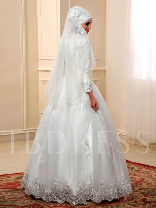 Sequins Appliques Long Sleeves Ball Gown Muslim Arabic Wedding Dress
