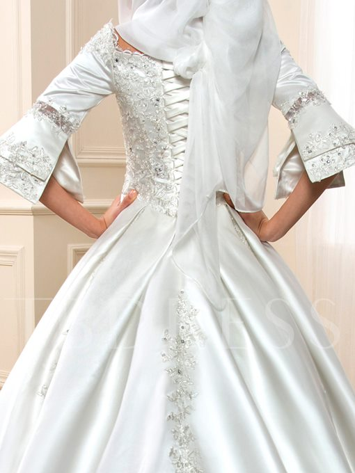 Half Sleeve Appliques Muslim Wedding Dress