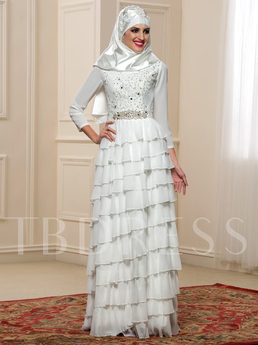 Tiered Chiffon Long Sleeve Appliques Arabic Wedding Dress with Hijab