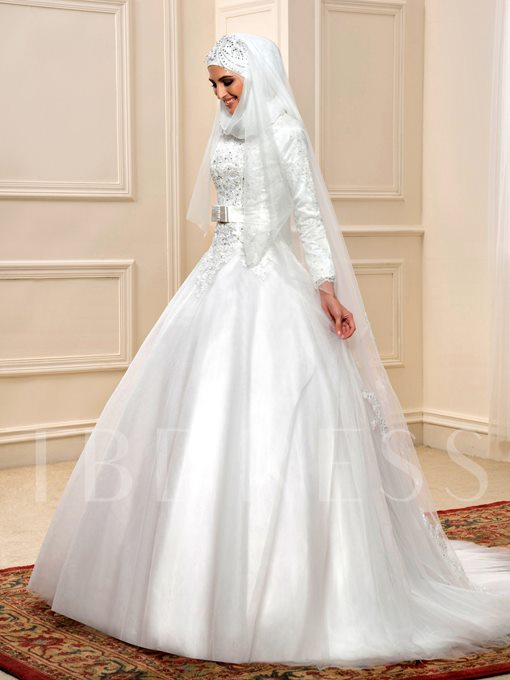 Long Sleeve Ball Gown Beaded Lace Muslim Arabic Wedding Dress