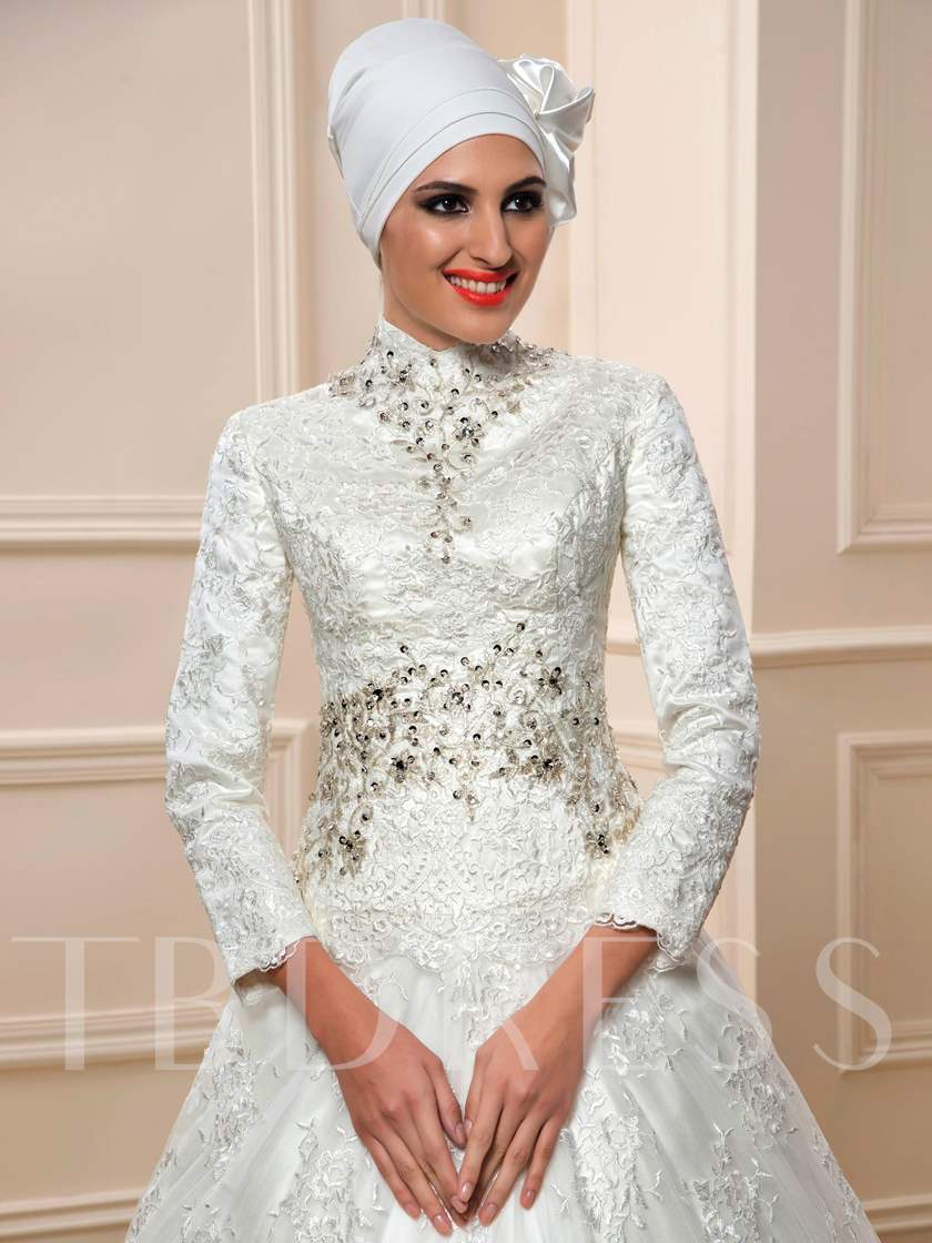 Beaded Long Sleeve Lace Muslim Wedding Dress with Hijab