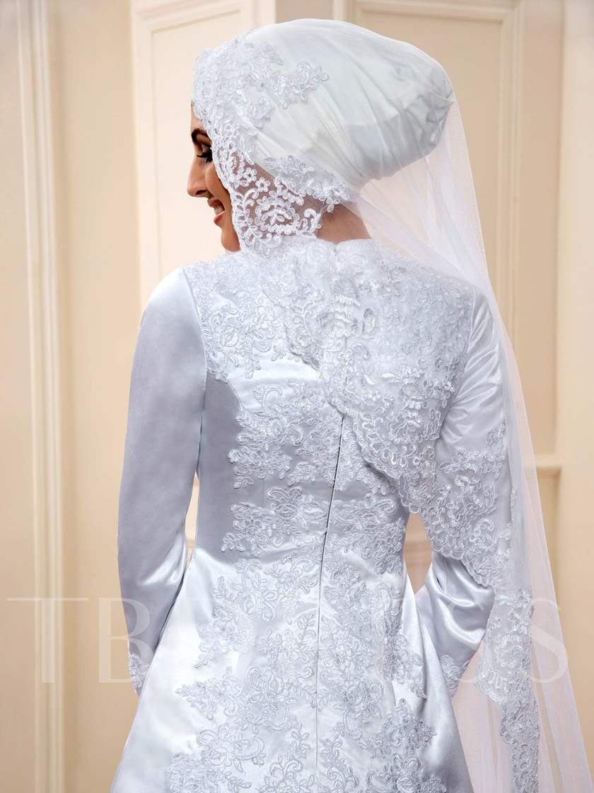 Appliques 3/4 Length Sleeve Matte Satin Muslim Wedding Dress