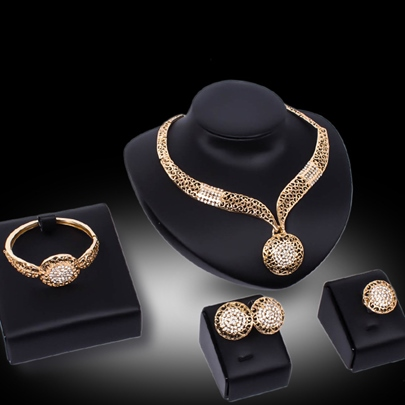 Gold-Plated Hollow Out 4 Piece Jewelry Set Gold-Plated Hollow Out 4 Piece Jewelry Set