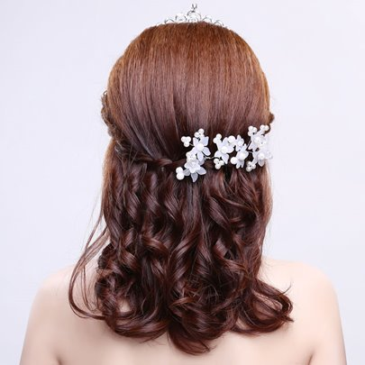 Tiny Wedding Hair Flower for Each