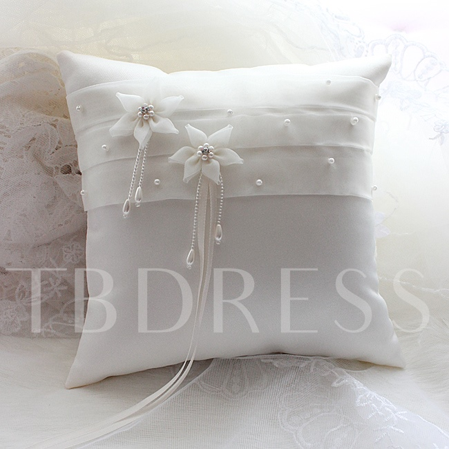 Ring Pillow with Flowers and Pearls