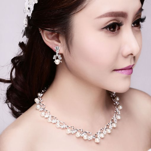 Pearls Wedding Jewelry Set (Including Necklace and Earrings)