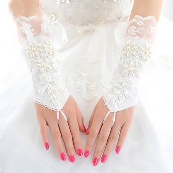 Pearls Lace Short Wedding Gloves