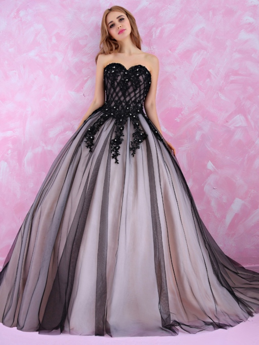 Sweetheart Appliques Sequins Black Ball Gown