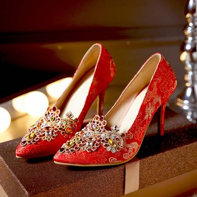Pointed Toe Slip-On Rhinestone Sequins Women's Pumps