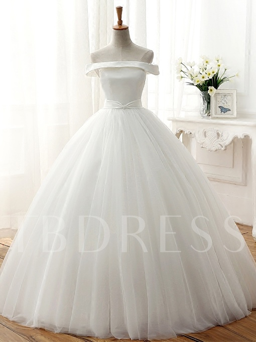 Off-The-Shoulder Tulle Ball Gown Wedding Dress