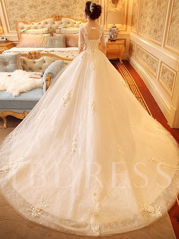 Scoop Neck Half Sleeve Appliques Lace Ball Gown Wedding Dress