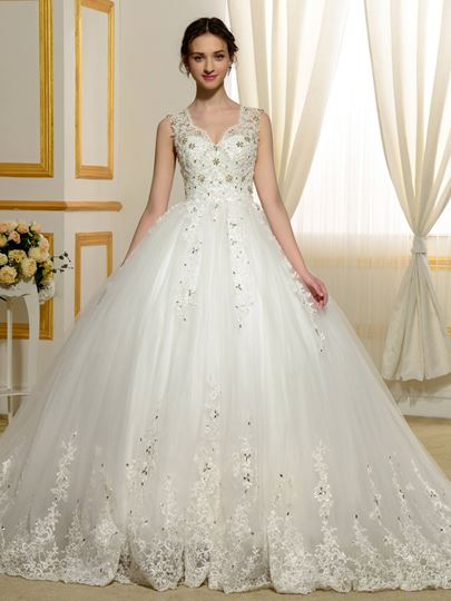 Designer V-Neck Beading Appliques Lace Ball Gown Wedding Dress
