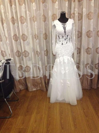 Beaded Appliques Plus Size Wedding Dress with Long Sleeve